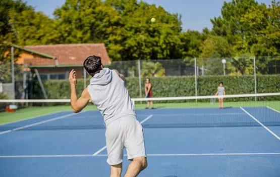 Jouer au tennis en Gironde